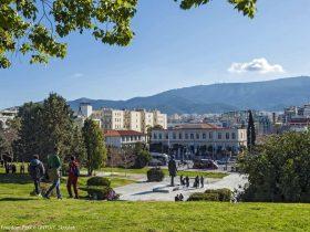 GNTO Řecko Athény Atény platy v Řecku © Skoulas